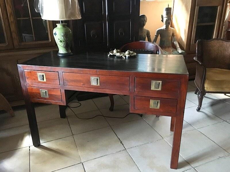 Chińskie biurko