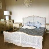 łóżko prowansalskie z wezgłowiem